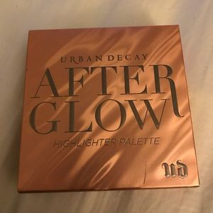 URBAN DECAY AFTER GLOW